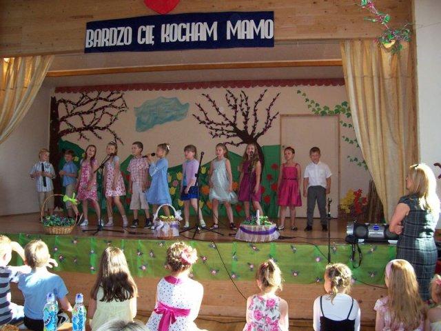 2014_05_30_gminny_dzien_matki_05